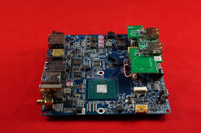 Passive Zotac ZBox nano CI320 im Test mit OpenELEC / Windows 8.1